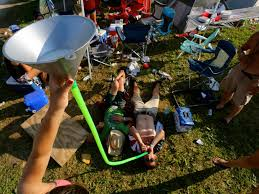 19 pictures you need to take at country concerts this summer