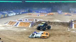 monster truck jam houston 2015 big kahuna back flip monster jam houston 2015 youtube