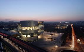 mercedes benz museum atrium mercedes benz museum architectuul