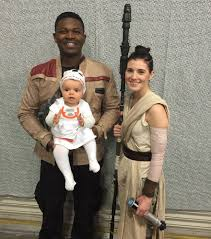 Family Star Wars Halloween Costumes This Family Cosplays Together And The Force Is Really Strong With