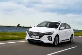 car ads 2016 hyundai keen to get uber drivers into its cars not toyotas