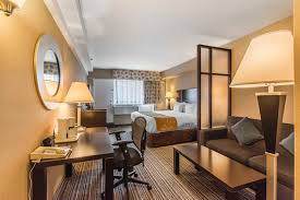 comfort suites downtown montreal qc 1214 crescent h3g2a9