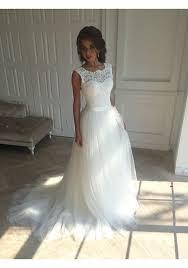 White Wedding Dresses Sleeveless White Wedding Dress Appliques Bridal Dress