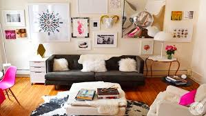 apartment decorating tiny to trendy a style addict s guide to apartment decor rent com