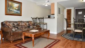 Rooms With Laminate Flooring Gatlinburg Hotels And Motels Tennessee Hotels
