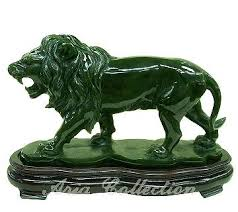 jade lion statue taiwan jade lion carving facing left shenq horng enterprise co