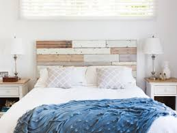 Rustic Bedroom Decor by Creative Headboard Ideas For Rustic Bedroom Decor With White