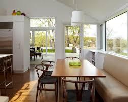 bilder für die küche kitchen bistro table and chairs helle und luftige küche ein
