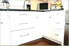 knobs on kitchen cabinets lowes kitchen cabinet knobs kitchen cabinet knobs amazing hardware