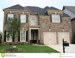 brown tan brick house 2906140 jpg 1300 1012 brick color