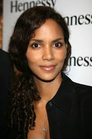 harry berry hairstyle see halle berry s hair evolution in these photos beauty part 4