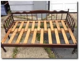 Daybed With Pull Out Bed Antique Jenny Lind Pull Out Day Bed 125 Island Lake