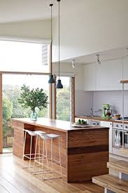 ilot de cuisine en bois cuisine avec îlot central 43 idées inspirations