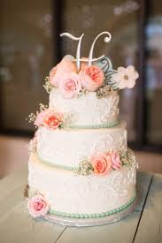 wedding cake flower best 25 small wedding cakes ideas on wedding cupcakes