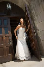 selling wedding dress tips for selling a wedding dress on craigslist sapling