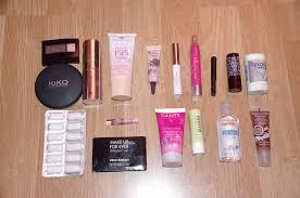 trousse de sac blog beauté ma trousse à maquillage de sac et mon kit de survie