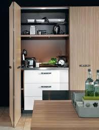 cuisine dans un placard 3 scénarios pour aménager une cuisine îlot de cuisine dans le