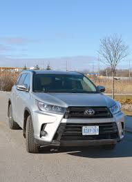 toyota highlander 2017 white highlander gives confidence in any weather wheels ca