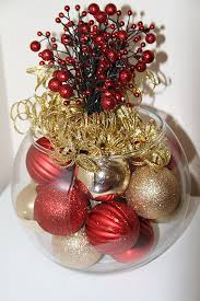 Gold Christmas Centerpieces - want a beautiful and unique centerpiece for your christmas table