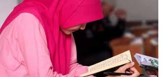 Wanita Datang Bulan Boleh Baca Quran Bolehkah Wanita Haid Membaca Al Quran Ruang Muslimah