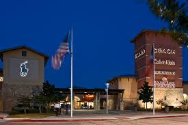 about rock premium outlets a shopping center in