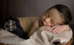 température chambre bébé été canicule et longues journées comment aider votre bébé à dormir