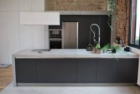 plan de travail cuisine beton plan de travail en béton danss cuisine avec parquet cuisines