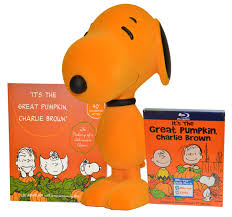 celebrate halloween and win a peanuts prize package oc mentor