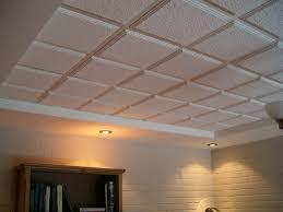 isolation plafond chambre isolation plafond de sous sol faux plafond oeufenpoudre