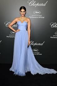 sonam kapoor sky blue chiffon simple evening bridesmaid dress