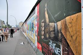 berlin wall bonjour y all one of the highlights of this tour for me was the berlin wall memorial one section of the memorial has a complete portion of the wall meaning that there