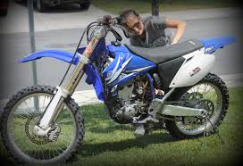 yamaha motocross bikes washing u0026 polishing my yamaha yz 250f dirt bike i want new decals