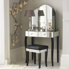 Mirrored Furniture Creating Spacious And Bright Interior Design - Bedroom ideas with mirrored furniture