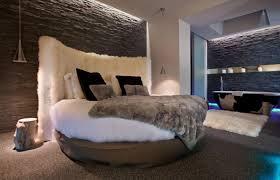 hotel chambre avec miroir au plafond hôtels insolites à office de tourisme