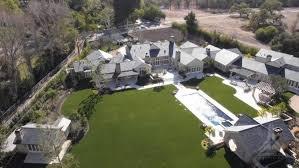 Kris Jenner Backyard Kim Kardashian Kanye West Buy Sprawling 20m Mansion Report Ny