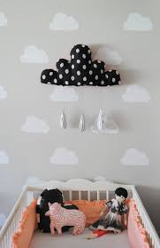 pochoir chambre bébé pochoir nuage pour d co murale avec deco nuage chambre enfant et
