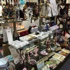 catholic gift stores catholic gift shop 10 photos 20 reviews gift shops 537 w