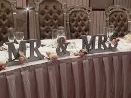 mr and mrs sign for wedding mr and mrs table sign wedding ideas brudar och