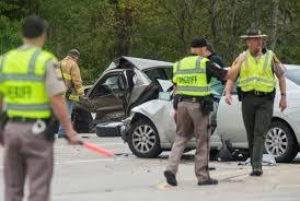 pekin woman killed in two car crash at u s route 24 and cameron