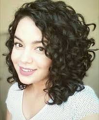 casual shaggy hairstyles done with curlingwands alluring short curly hair ideas for summertime curly hairstyles