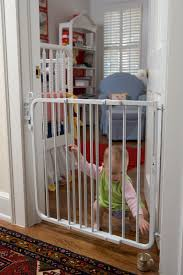 Child Proof Gates For Stairs Amazon Com Cardinal Gates Auto Lock Gate White Indoor Safety
