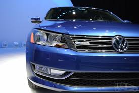 volkswagen light blue 2015 vw passat bluemotion concept at 2014 naias headlight indian