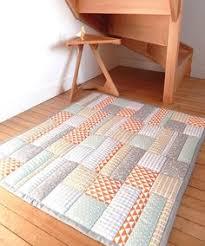 grand tapis chambre enfant exemple de personnalisation grand tapis bébé matelassé
