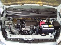 mirage gls manual de 3 cilindros excelente desempeño 190 900