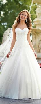 timeless wedding dresses 15 ways to style chandelier earrings for your wedding