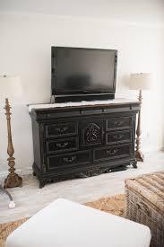 diy distressed tv console cabinet lynzy u0026 co