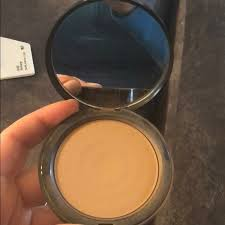 bobbi brown golden light bronzer 61 off bobbi brown other bobbi brown golden light bronzer used