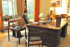 superb oval office desk donated by queen victoria washington dc a