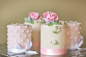 meet a wedding cake designer in london england cakes by robin