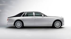 rolls royce phantom serenity 2018 rolls royce phantom see the changes side by side